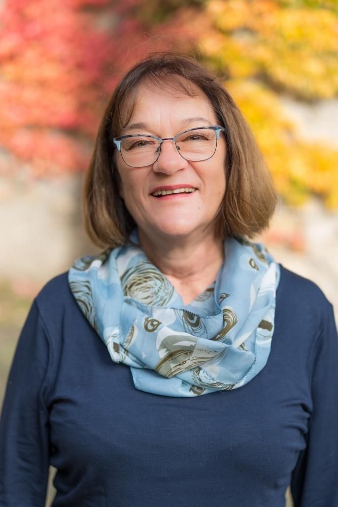 Dr. Anne Schmidt-Peters